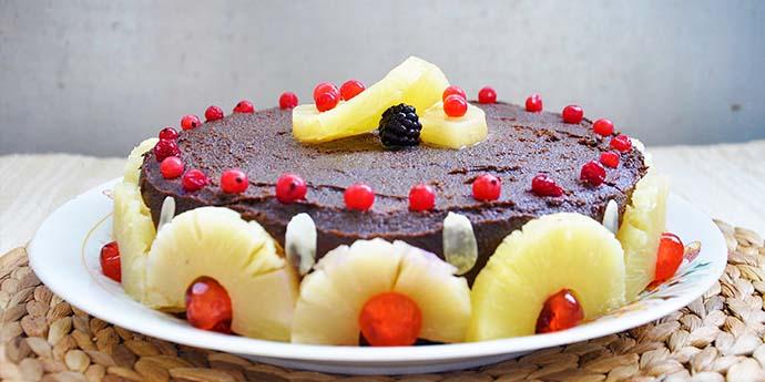 Tort fara gluten cu ciocolata, fructe de padure