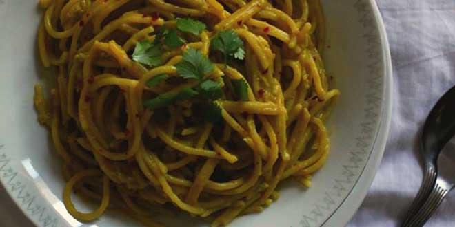 Spaghetti cu sos de avocado și lămâie, fără gluten