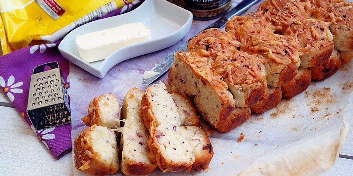 Paine fara gluten cu ceapa si parmezan