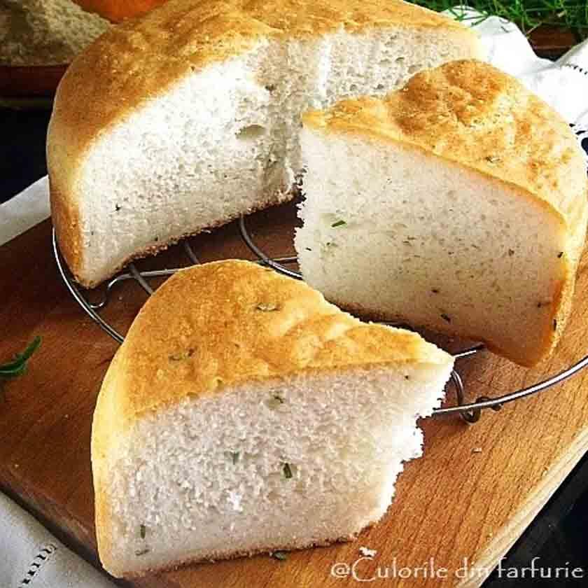 paine fara gluten cu rozmarin