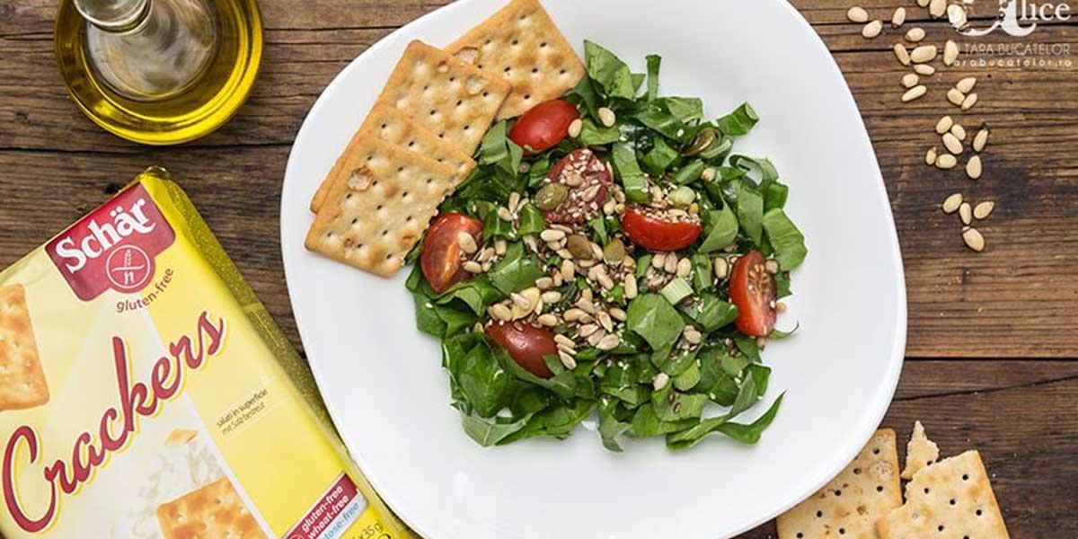 Salata cu seminte si crackers fara gluten