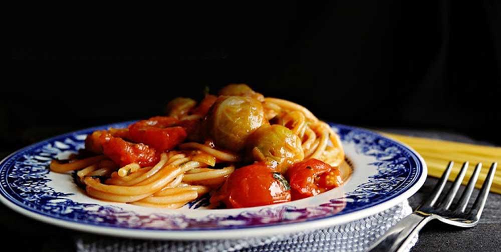Spaghete fara gluten cu varza de Bruxelles