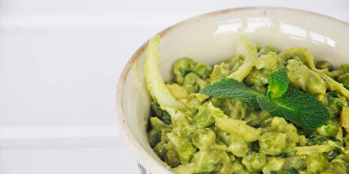 Salata de mazare verde cu maioneza avocado menta