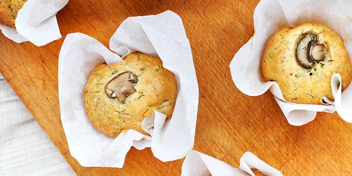 Briose sarate fara gluten cu ciuperci si cimbru