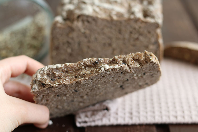 Reteta paine fara gluten integrala crusta