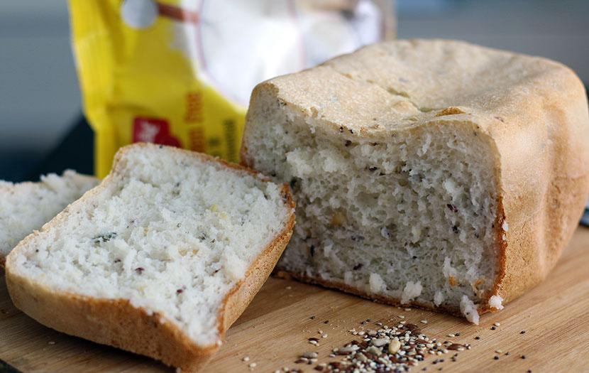 paine fara gluten alba cu seminte
