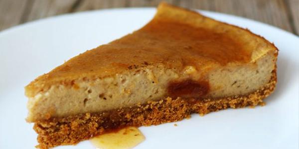 Cheesecake vegan cu vanilie si gem de caise