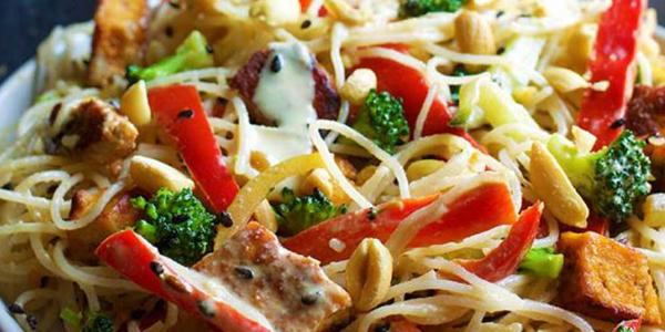 noodles cu sos de arahide